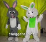 Boneka Badut Kelinci Untuk Perayaan Hari Easter